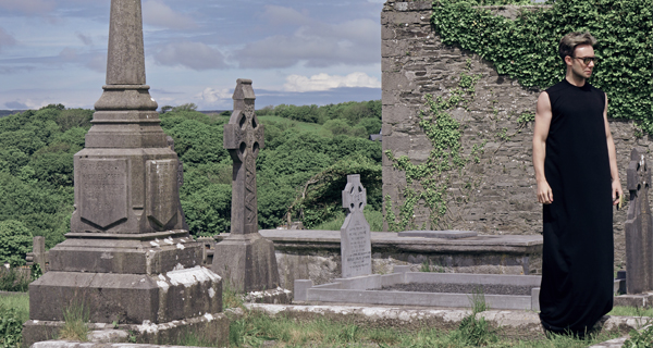 A LIFE AND DEATH FASHION MOMENT | VISITING A HILLTOP CEMETERY IN THE SEASIDE IRISH TOWN OF ENNISTIMON