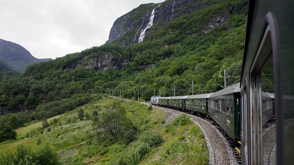 Bergen Train and Nature - 1