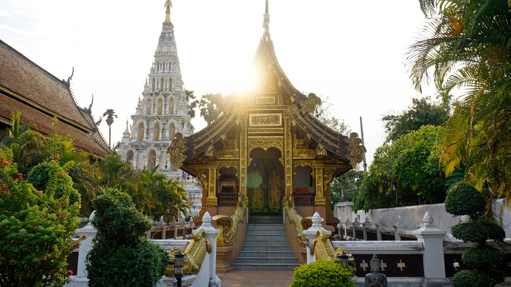 ancient-temple-chiang-mai-thailand-1