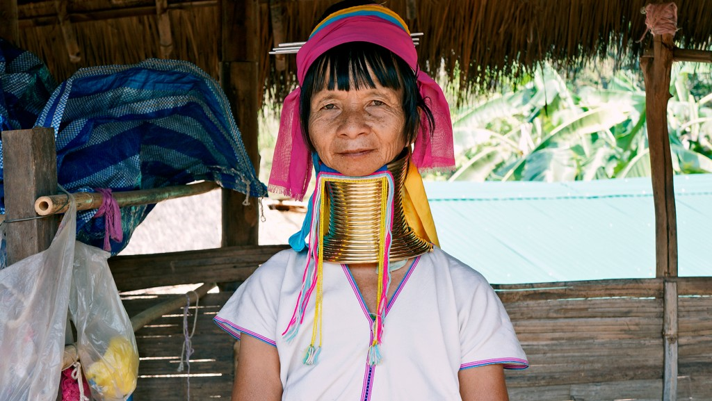 long-neck-village-chaing-mai-thailand-2